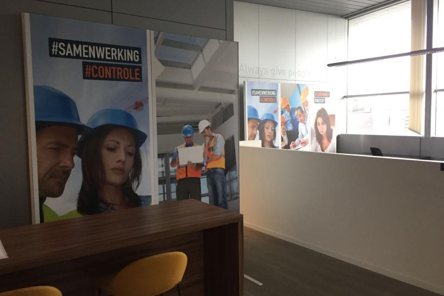 Astena - kantoorwand